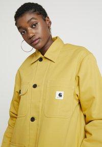 Carhartt WIP - GREAT MENSON COAT - Mantel - dark yellow - 3