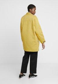 Carhartt WIP - GREAT MENSON COAT - Mantel - dark yellow - 2