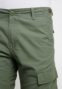 Carhartt WIP - AVIATION PANT COLUMBIA - Cargobyxor - dollar green rinsed - 4