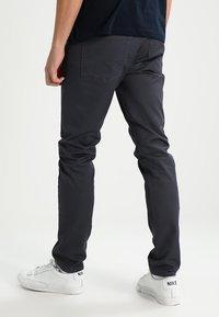 Carhartt WIP - VICIOUS PANT LAMAR - Pantalon classique - blacksmith rinsed - 2