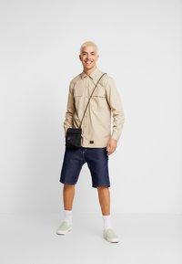 Carhartt WIP - LAXFORD SHIRT - Camisa - wall rinsed - 1