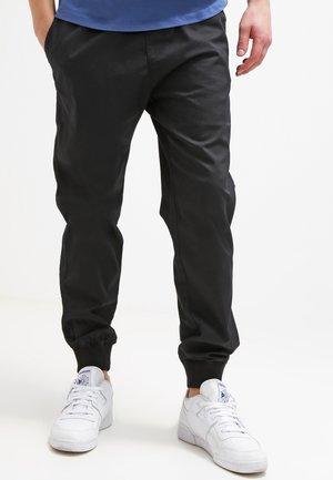 MADISON JOGGER TRABUCO - Kalhoty - black rinsed