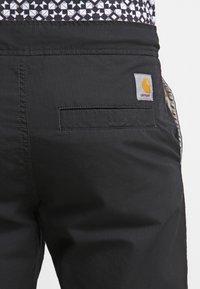Carhartt WIP - MARSHALL COLUMBIA - Pantalon classique - black rinsed - 5