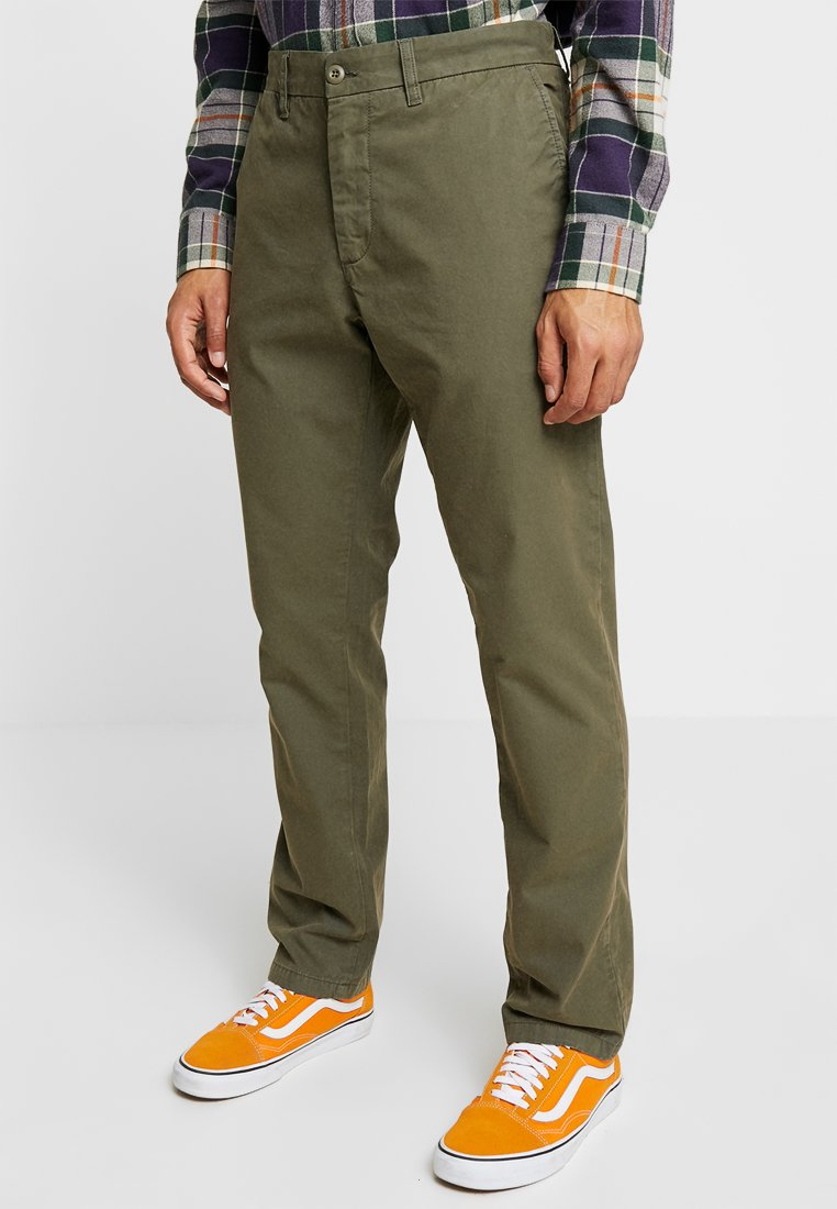 Carhartt WIP - JOHNSON - Chino - moor