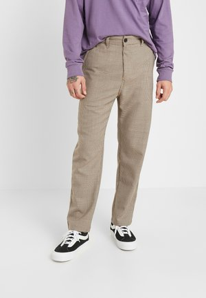 MENSON PANT PASCOSTRETCH  - Pantalones - hamilton brown rigid