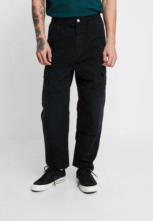 KEYTON PANT - Cargobukser - black aged