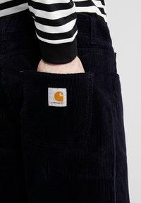Carhartt WIP - NEWEL PANT - Pantalon classique - dark navy rinsed - 3