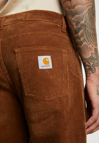 Carhartt WIP - NEWEL PANT - Tygbyxor - hamilton brown rinsed - 3
