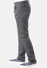 Carhartt WIP - CARHARTT WIP KLONDIKE JEANS - Straight leg jeans - black - 2