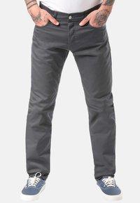 Carhartt WIP - CARHARTT WIP KLONDIKE JEANS - Straight leg jeans - black - 0