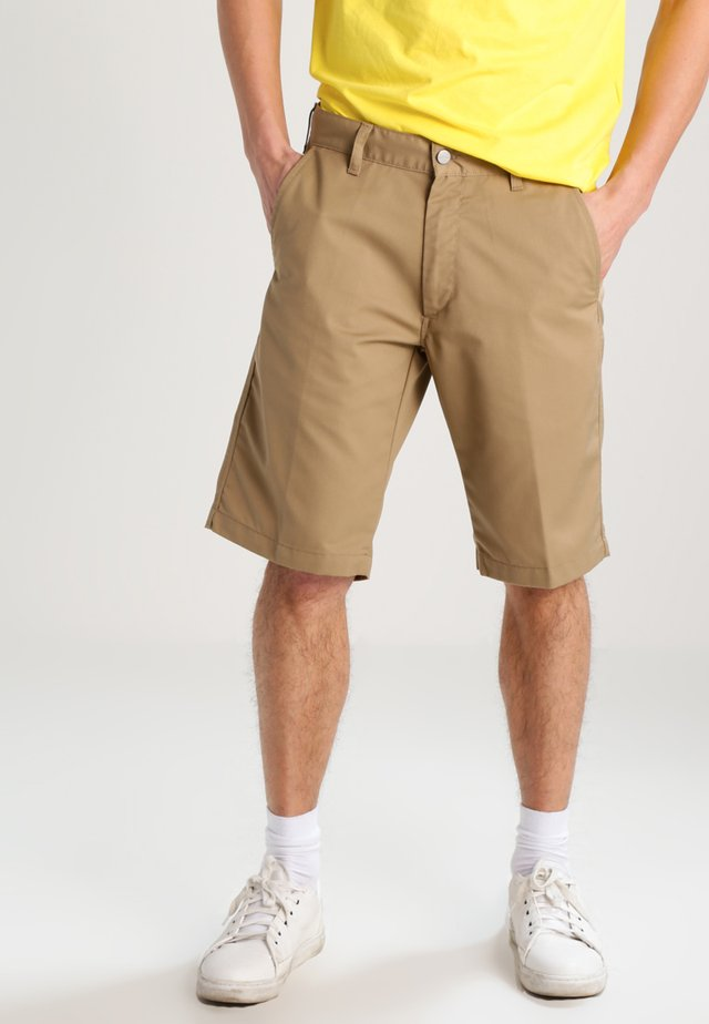 PRESENTER DUNMORE - Shorts - leather rinsed
