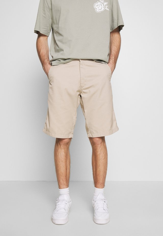 PRESENTER DUNMORE - Shorts - wall rinsed
