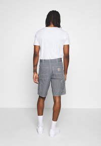 Carhartt WIP - SINGLE KNEE HERMOSA - Short en jean - blue/white - 2