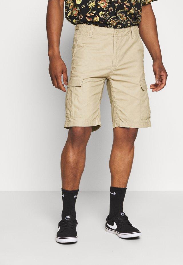 AVIATION COLUMBIA - Shorts - wall rinsed