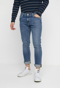 Carhartt WIP - REBEL PANT SPICER - Jeans Slim Fit - blue mid - 0