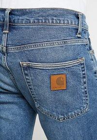 Carhartt WIP - KLONDIKE MILLS - Džíny Straight Fit - blue stone - 4