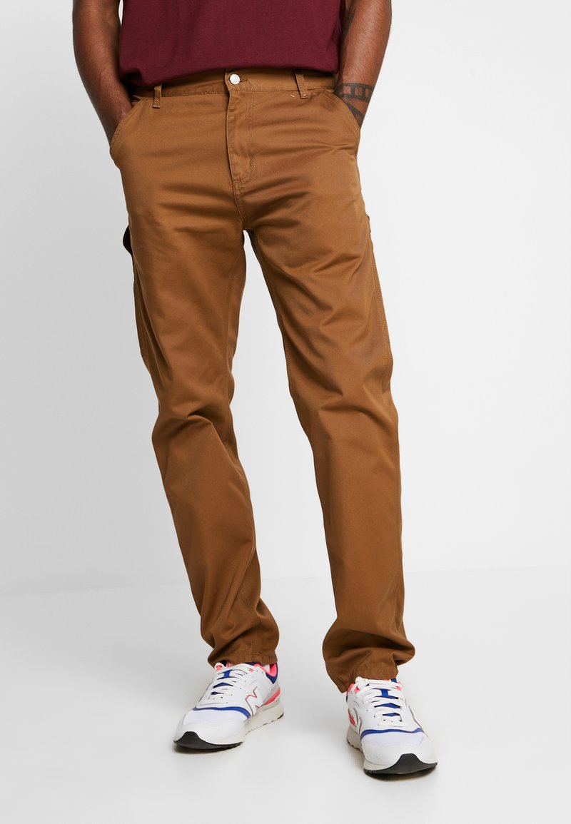 Carhartt WIP - RUCK SINGLE KNEE PANT - Jeans Relaxed Fit - hamilton brown rinsed