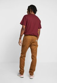 Carhartt WIP - RUCK SINGLE KNEE PANT - Jeans Relaxed Fit - hamilton brown rinsed - 2