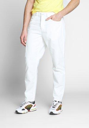NEWEL PANT NEWCOMB - Jean boyfriend - off-white