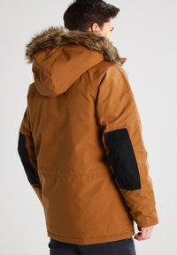 Carhartt WIP - TRAPPER  - Winterjas - hamilton brown/black - 2