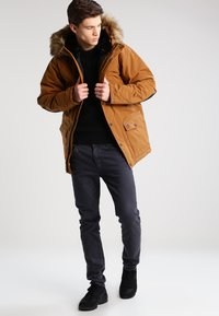 Carhartt WIP - TRAPPER  - Winterjas - hamilton brown/black - 1