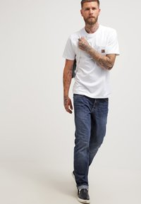 Carhartt WIP - POCKET - T-shirt basique - white - 1