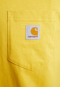 Carhartt WIP - POCKET - T-shirt basic - colza - 5