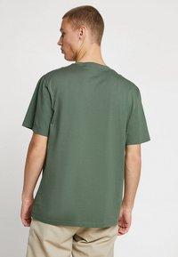 Carhartt WIP - POCKET - T-shirt basic - adventure - 2