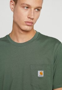 Carhartt WIP - POCKET - T-shirt basic - adventure - 4