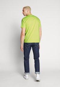Carhartt WIP - SCRIPT - T-shirt imprimé - lime/black - 2