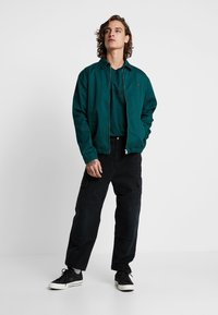 Carhartt WIP - SCRIPT - T-shirt print - dark fir/black - 1