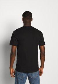 Carhartt WIP - SCRIPT - T-shirt imprimé - black/lime - 2