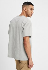 Carhartt WIP - CHASE  - T-shirt basic - grey heather - 2