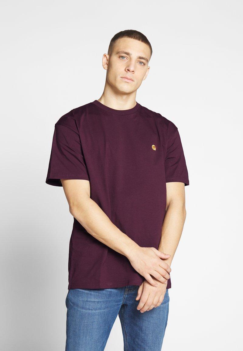 Carhartt WIP - CHASE  - T-shirt basique - shiraz/gold