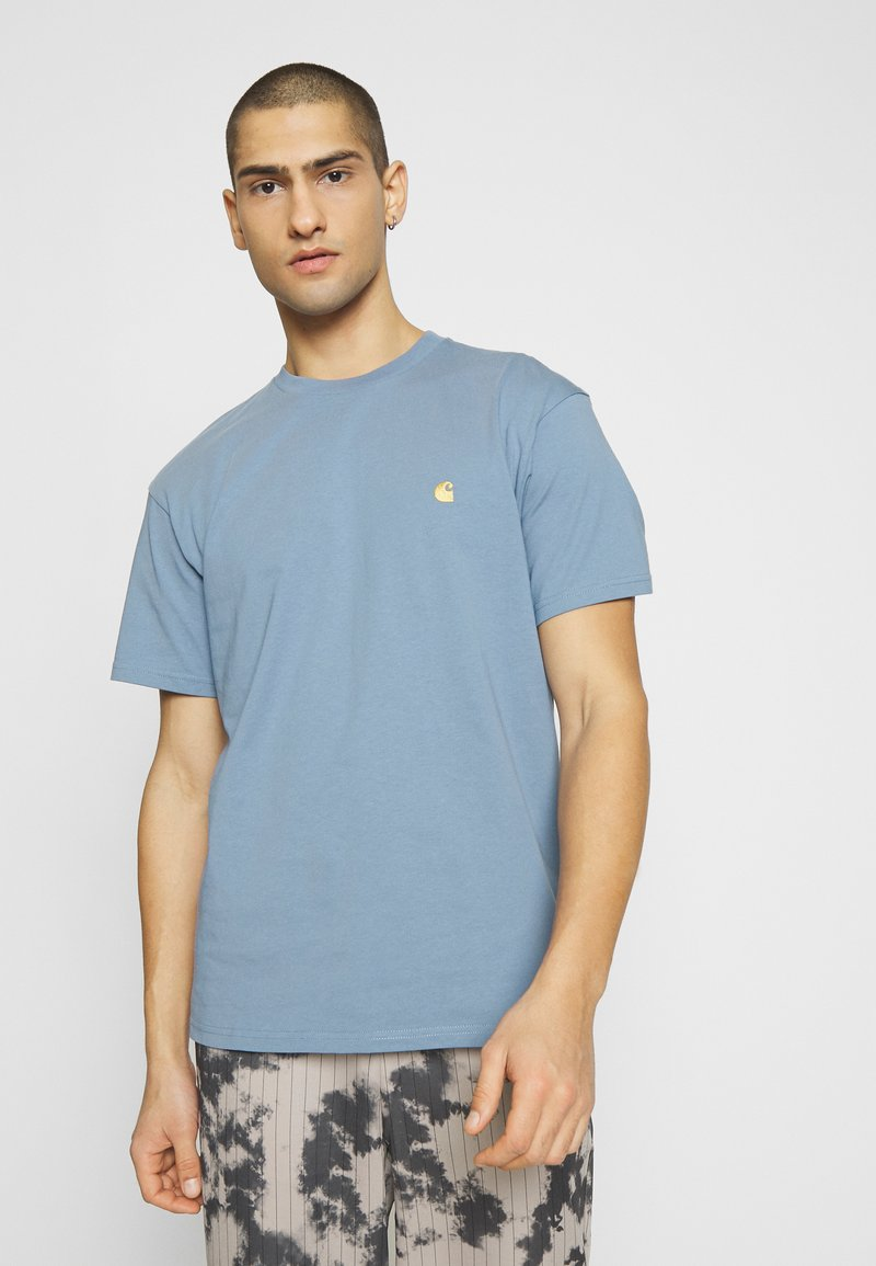 Carhartt WIP - CHASE  - T-shirt basique - blue-grey/gold