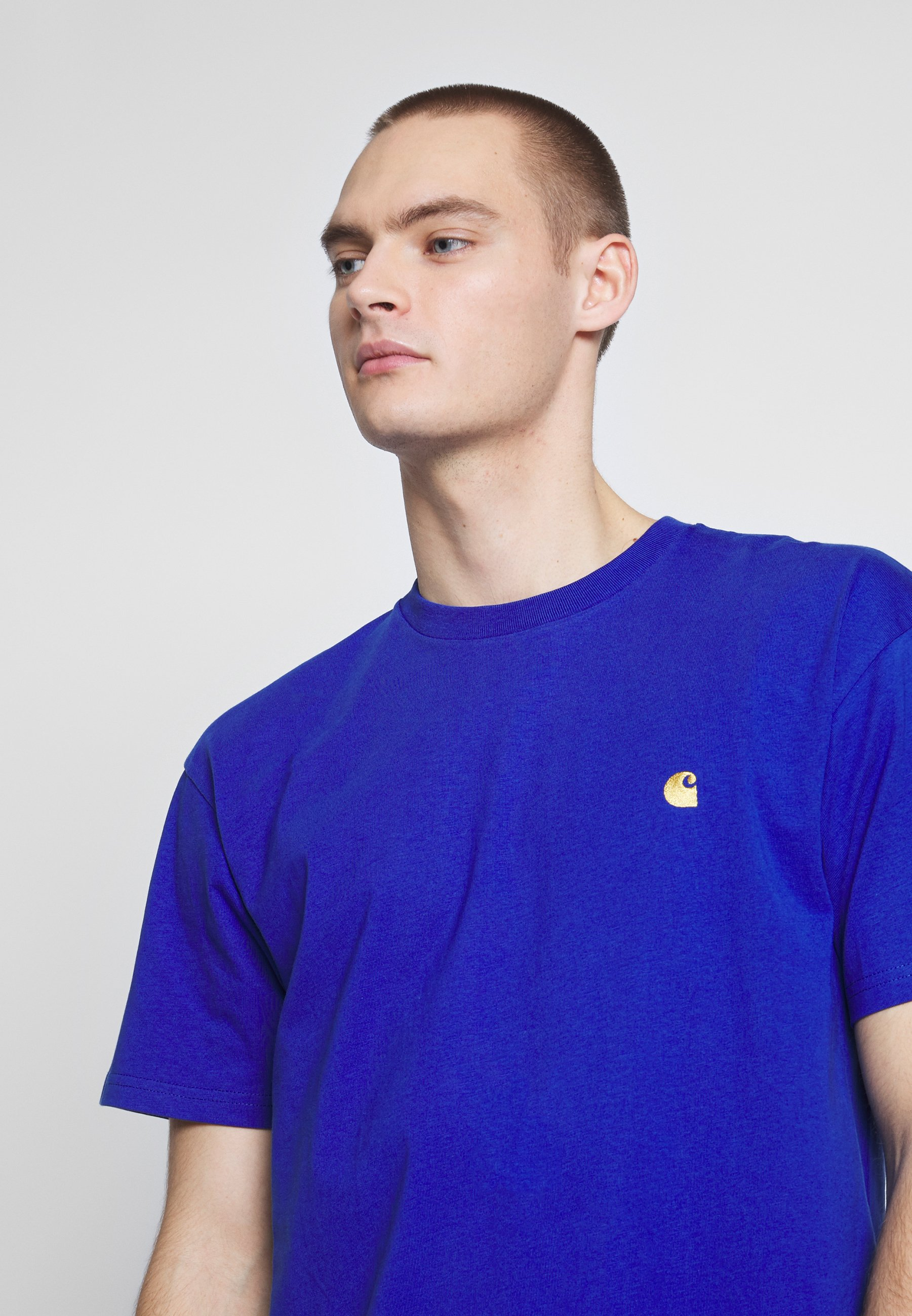 Carhartt WIP CHASE - T-shirt basic - submarine / gold