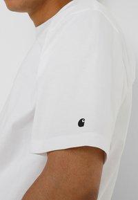 Carhartt WIP - BASE  - T-shirt basique - white - 5