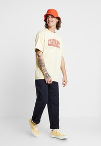 Carhartt WIP - THEORY - T-shirt print - pale yellow - 1