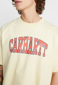 Carhartt WIP - THEORY - T-shirt print - pale yellow - 5