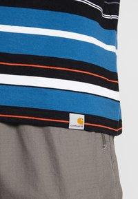 Carhartt WIP - FLINT - T-shirt med print - prussian blue - 4