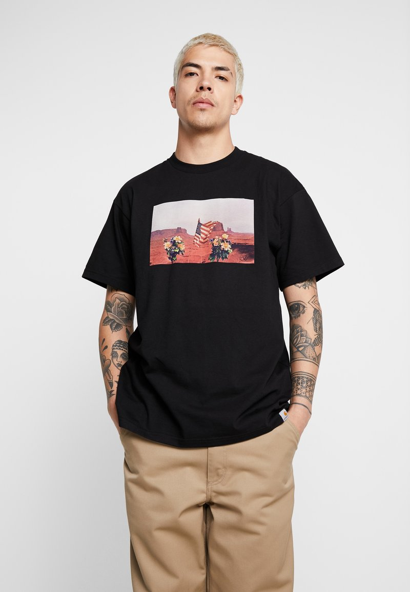 Carhartt WIP - MATT MARTIN FLAGS T-SHIRT - T-shirt con stampa - black