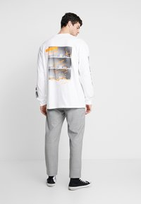Carhartt WIP - STACK  - Long sleeved top - white - 2