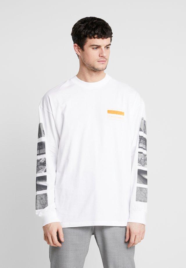STACK  - T-shirt à manches longues - white