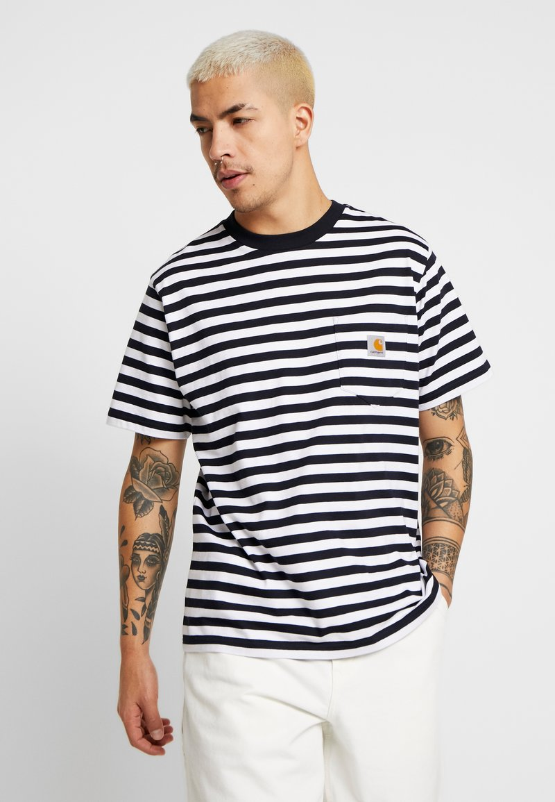 Carhartt WIP - SCOTTY POCKET  - T-shirt imprimé - dark navy / white