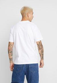 Carhartt WIP - MOTOWN SNAKE PIT - Printtipaita - white - 2