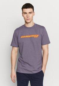 Carhartt WIP - SPORT SCRIPT - Print T-shirt - decent purple - 0