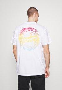 Carhartt WIP - FLAME  - T-shirt imprimé - white - 2