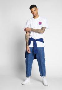 Carhartt WIP - RECORD CLUB - T-shirt med print - white - 1