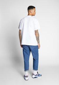 Carhartt WIP - HORIZON SCRIPT - T-shirt imprimé - white - 2