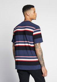 Carhartt WIP - SUNDER  - T-shirt imprimé - blue - 2